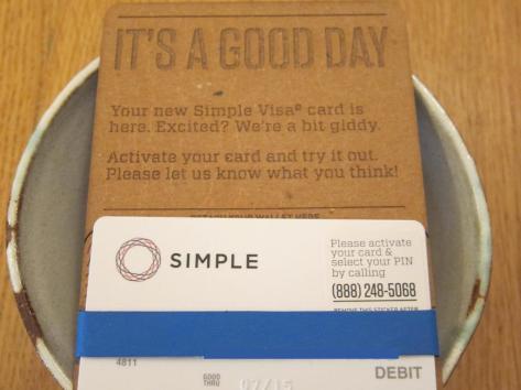심플(Simple)의 직불 카드